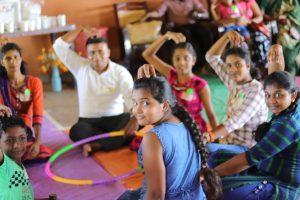 自爆テロから2年。スリランカの遺児たちに心のケアを